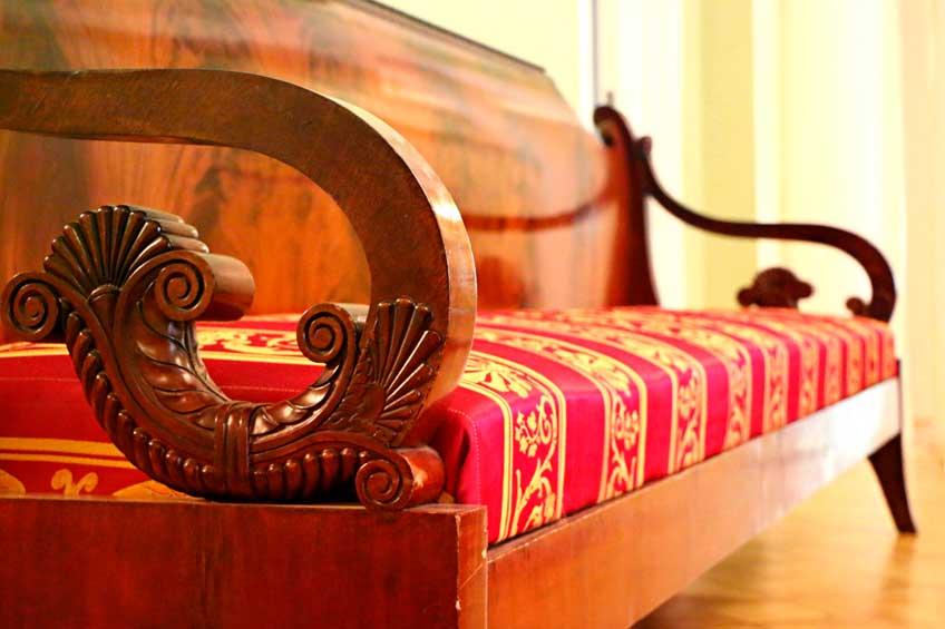 Barnizado de muebles de madera en Sevilla